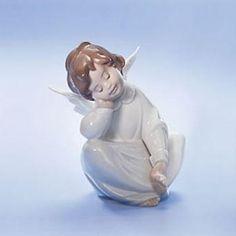 """Lladro """"Angel Dreaming"""" Porcelain Figurine Porcelain Dolls For Sale, Porcelain Jewelry, Fine Porcelain, Porcelain Ceramics, Painted Porcelain, Porcelain Tile, Japanese Tea Set, Indian Dolls, Hummel Figurines"""