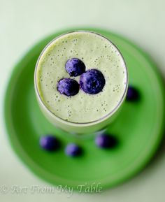 a healthy protein power packed green smoothie that will satisfy your hunger and your sweet tooth without adding any sugar. Doesn't taste 'green' at all!