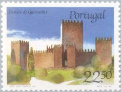 Sello: Castle of Guimarães (Portugal) (Castles and Coat of arms of Portugal (1st group)) Mi:PT 1688,Sn:PT 1665,Afi:PT 1754