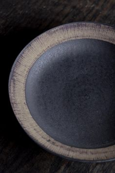 View our information site for lots more in regard to this exceptional photo Japanese Plates, Japanese Ceramics, Japanese Pottery, Modern Ceramics, Contemporary Ceramics, Ceramic Tableware, Ceramic Decor, Ceramic Clay, Ceramic Bowls