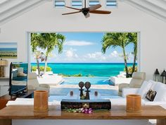 Luxury Waterfront Homes & Real Estate - Luxury Waterfront Homes, Estates & Properties