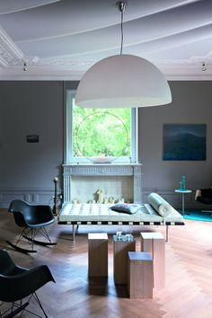 Un salon contemporain et chaleureux