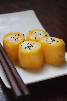 thai mango & coconut sticky rice sushi