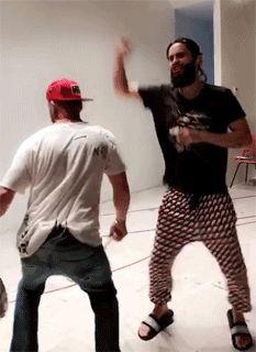 Shake it Shannon!! LOL.  Gif JARED and SHANNON LETO  25.08.2017 LA