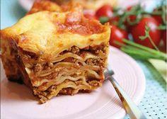 Lasagne aus dem Omnia-Backofen ist einfacher zuzubereiten, als du denkst. Schau dir die Schritt-für-Schritt-Anleitung für die Lasagne an.
