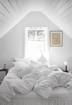 Høie and a huge competition with 3 finalists and a big winner - only deco love Bedroom Color Schemes, Bedroom Colors, Bedroom Decor, Cute Teen Bedrooms, White Bedrooms, Photo Room, Deco Boheme, Room Goals, Aesthetic Rooms
