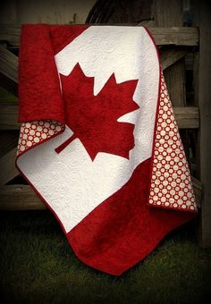 Canadian Baby Quilt Pattern - patriotic baby quilt to the true north strong and free - red and white with the maple leaf - flag quilt Patriotisches Baby des kanadischen Baby-Steppdecken-Musters durch RobinsonPatternCo Quilt Baby, Flag Quilt, Quilt Blocks, Paper Piecing, Quilting Projects, Sewing Projects, Quilting Ideas, Canadian Quilts, Canadian Flags
