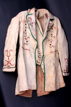 Deer skin frock coat and vest decorated with dyed porcupine quills worn by John Brant  (Ahyonwaeghs,1794-1832), son of Mohawk chief Joseph Brant. He  encouraged the building of schools for his people and 1828 was appointed resident superintendent for the Six Nations of the Grand River. In 1830, he was elected to the Legislative Assembly of Upper Canada for Haldimand. Photo credit: Joe Kozlowski.