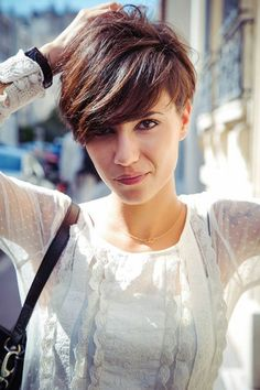 Short Haircut for Summer 2019 – Cute Layered Short Hairstyle with Bangs – Woman Hair Beauty Short Hair With Bangs, Short Hair With Layers, Short Hair Cuts For Women, Thick Hair, Shorter Hair, Short Cuts, Hair Bangs, Thick Bangs, Cute Hairstyles For Short Hair