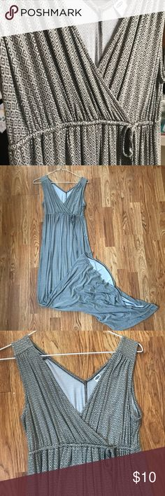 Beautiful Old Navy maxi dress This is a maternity dress but can be worn by anyone! It will best fit a small who is larger in the chest or even a size medium. It's also quite long. The fabric is soooo soft and beautiful! Very versatile! Old Navy Dresses Maxi