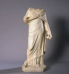 Escultura femenina romana. Imagen de la ficha informativa