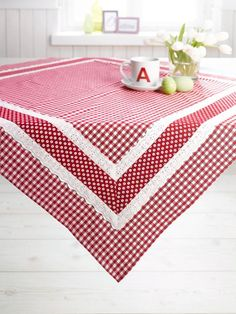 Love this for our new barn table! Need to keep my eyes open for fabric and lace! Table Runner And Placemats, Quilted Table Runners, Kitchen Linens, Kitchen Towels, Lace Table, Red Gingham, Mug Rugs, Table Toppers, Table Linens