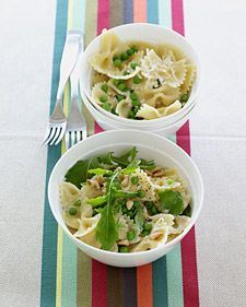 CREAMY PASTA WITH PEAS: This dish is so yummy the kids won't realize it is good for them too  #pasta #peas #Kids