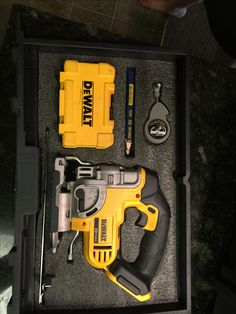 Kaizen foam in DeWalt Tough System mobil storage box