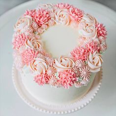 Get them in your baking arsenal ASAP. Get them in your baking arsenal ASAP. Pretty Birthday Cakes, Pretty Cakes, Beautiful Cakes, Amazing Cakes, Birthday Cake For Mother, Cake Birthday, Girl Birthday, Birthday Cake Ideas For Adults Women, Jenny Cookies