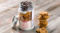 Know someone who loves to #bake? Gift them with these beautifully layered DIY cookies in a jar – or whip up a batch to enjoy yourself. Mix it up with different flavours of #Love Crunch for a #creative way to give to friends and family.
