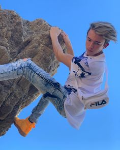 Maverick baker - Looking down on all the haters. Baker Boy, Teen Models, Cute Gay, Rip Curl, Hot Boys, Handsome Boys, Ripped Jeans, Teen Fashion, Celebs