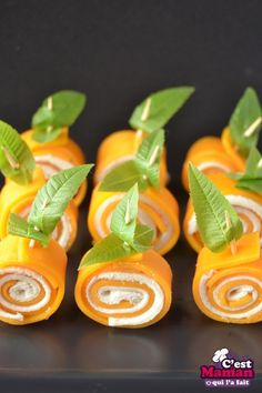Pumpkin cheese roll halloween it& mom who did it Buffet Halloween, Halloween Food For Party, Easy Halloween, Healthy Halloween Treats, Halloween Dinner, Halloween Goodies, Halloween Recipe, Halloween 2017, Homemade Tacos
