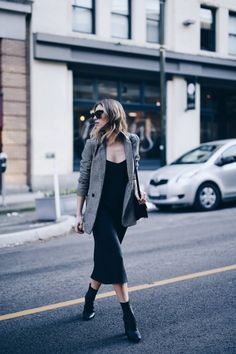 What to Wear with your Check Blazer in 2018 with Style Report Magazine What to Wear with your Check Blazer in 2018 with Style Report Magazine,My Style Pinboard Related Romantische Outfits für ein. Winter Dress Outfits, Casual Dress Outfits, Blazer Outfits, Blazer Dress, Outfit Winter, Summer Outfits, Slip Dress Outfit, Black Slip Dress, Dress Boots