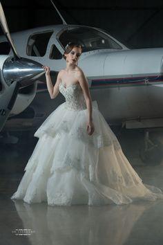 Grace Ormonde Wedding Style Cover Option 6 #theluxuryweddingsource, #GOWS, #weddingstyle, #jaycaballero #eveofmilady #sposamia #jaycaballerophotography #Mariaelenaheadpieces