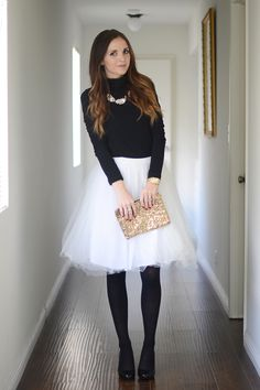 Awesome 45 Elegant White Skirt To Look Cool And Fashionable Women always look great in a skirt that is made well according to their figure. The skirts may be long, […] Womens White Skirt, White Skirt Outfits, White Tulle Skirt, Winter Skirt Outfit, White Skirts, Tulle Skirts, Pink Tulle, Emmanuelle Alt, Mode Inspiration