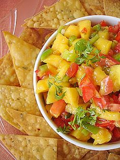 This, the tomalito and the Jalapeño Jelly at Chevy's are three great reasons to stop in whenever I'm in the neighborhood.   Chevy's Fresh Mex Copycat Recipes: Mango Salsa
