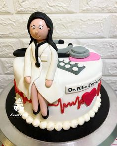 Salute to all doctors 💊💉❤️ Doctor's Cake Inspired Birthday Cake Girls, Girl Cakes, Desserts, Inspiration, Food, Tailgate Desserts, Biblical Inspiration, Dessert, Postres