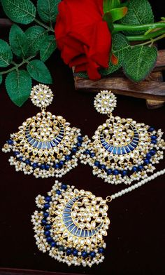 Indian Jewelry Earrings, Indian Jewelry Sets, Fancy Jewellery, Bridal Jewelry, Punjabi Traditional Jewellery, Pakistani Jewelry, Chunky Jewelry, Gold Earrings Designs, Indian Wedding Outfits