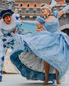 L'image contient peut-être : 2 personnes, personnes debout et plein air Disney Wedding Dresses, Pakistani Wedding Dresses, Wedding Hijab, Disney Face Characters, Disney Movies, Disney Stuff, Disneyland Princess, Cinderella Movie, Disney Parks