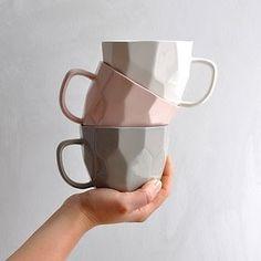 Home Accessories and Furniture Geometric Cup - feeling cosy - hygge h. - Home Warei Deas Coffee Shops, Coffee Mugs, Hygge Home, Paperclay, Cute Mugs, Pretty Mugs, Mug Cup, Ceramic Pottery, Ceramic Cups