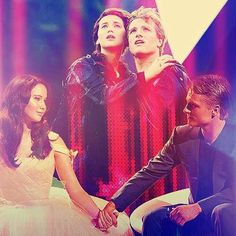 #TheHungerGames (2012) - #PeetaMellark #KatnissEverdeen