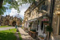 Day Trip to The Cotswolds: Chipping Campden, Broadway Tower & Burford - Explore With Ed British Holidays, Uk Holidays, Broadway Cotswolds, British Travel, Sustainable Tourism, Vacation Destinations, Vacations, Where To Go, Day Trips