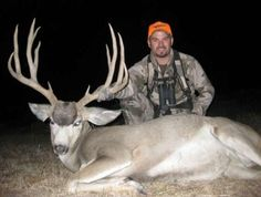 Guaranteed tags for trophy mule deer in Utah. Utah CWMU Tag Program. Landowner Tags. Hunt Private Ranches managed for trophy quality.  http://gothunts.com/mule-deer-hunting-in-utah/  #muledeer #deerhunting #utah #utahhunting #hunting #bowhunting #muledeerhuntinginutah