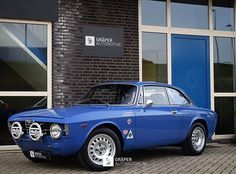 What an awesome throwback to the 1970's with this Alfa Romeo gt1300 junior! #alfaromeo #gt1300junior #alfa #occasion #autotrend #amazingcars #cargram #speed #rallycar #classiccar #classic #forsale