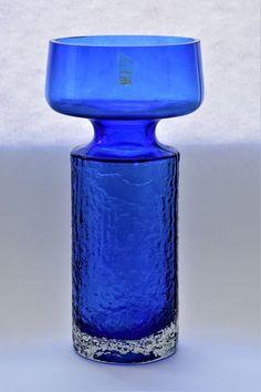 Catawiki online auction house: Tamara Aladin - Riihimaki/Riihimaen Lasi Oy - Glass object, Vase (1) - Glass #scandinaviandesign #finnishdesign #glassart #glassblowing