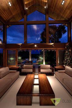 Casa de Campo Quinta do Lago - Tarauata: Salas de estar por Olaa Arquitetos Future House, My House, Home Interior Design, Exterior Design, Interior Livingroom, Modern Mountain Home, House Goals, Modern House Design, My Dream Home
