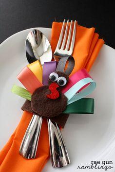 Cute Thanksgiving turkey napkin rings that double as hair clips. Tutorial at @Marissa Fischer | Rae Gun Ramblings #turkeytablescapes