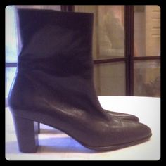 Clergerie Boots! Perfect boots with a inner zipper, perfect black leather, with the center seem. robert clergerie Shoes