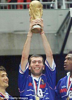 100 World Cup heroes Maradona, Pele, Zidane - but who's No Sports Football, Best Football Players, Football Fans, Soccer, 1998 World Cup, Fifa World Cup, Les Sopranos, World Cup Trophy, Women's Cycling Jersey