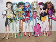Monster High Gloom Beach Complete Collection (with an extra Lagoona, owned 5/6)
