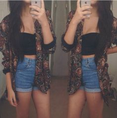 Pretty Outfit. Cropped top, high-waisted shorts and a floral jacket.