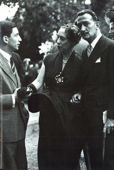 Elsa Schiaparelli*et Salvador Dali 1949 * Remarquez sa broche !