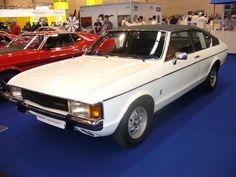Ford Granada 1 GL-Coupe. 1972 - 1977. Die Baureihe Consul/Granada war eine gemeinschaftliche Entwicklung von Ford Deutschland und England. In Kontinentaleuropa löste dieses Modell den P7b ab. Es gab etliche Motorisierungsvarianten mit 4-Zylinderreihen- und V6-motoren. Das hier abgelichtet Coupe in der GL-Ausführung ist die mittlere von fünf Ausstattungsversionen. Das abgelichtete Coupe ist mit dem dem 2.293 cm³ großen und 108 PS starken V6-motor ausgerüstet.