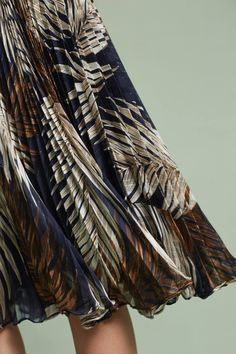 Slide View: 3: Pleated Palms Skirt