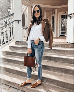 Cute casual spring outfit wear in 2019 loafers outfit. Outfit Loafers, Loafers For Women Outfit, Tassel Loafers, Denim Outfit, Women's Loafers, Brown Loafers, Denim Bag, Leather Loafers, Simple Winter Outfits