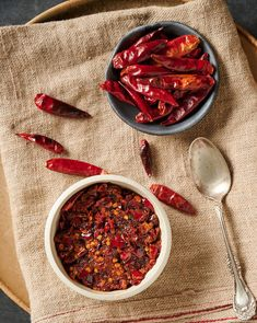 Chilli Recipes, Asian Recipes, Small Food Processor, Food Processor Recipes, A Food, Food And Drink, Food Photography Props, Food Concept, Food Packaging