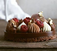 Another real favorite of mine ❤ Gourmet Desserts, Mini Desserts, Christmas Desserts, Delicious Desserts, Dessert Recipes, Pastry And Bakery, Sweet Tarts, Special Recipes, Dessert Bars