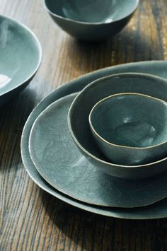 Gorgeous colour of dinnerware!