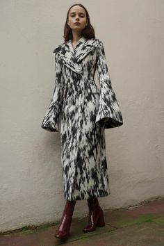 Beaufille Fall 2016 Ready-to-Wear Collection Photos - Vogue #coat #designercoat