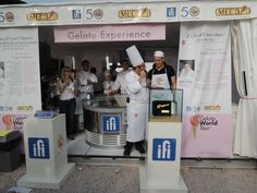 Master gelato artisan  Gabriele Meggiorelli gives  the go-ahead for the TONDA  CHALLENGE, the competition  emphasising the abilities of the  gelato frontmen, the counter  attendants. Opening the  competition, Emanuele  Valeriani from the La Playa  gelateria in Castelgandolfo,  winner of the first edition  of the challenge at Sigep 2013.